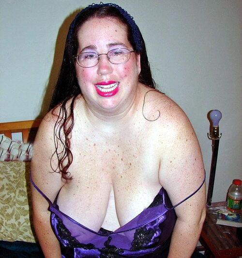 mujeres con tetas raras: